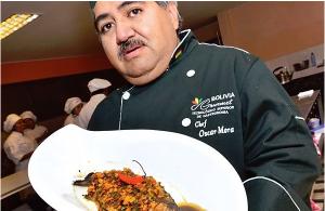 El chef Óscar Mora y sus alumnos de Bolivia Gourmet.
