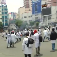 Bolivian health professionals continue to protest against new criminal code