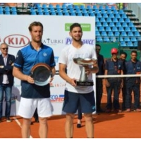 Hugo Dellien wins first title for Bolivia in 35 years.