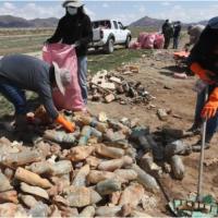 Bolivian lake becomes an arid, trash-covered wasteland